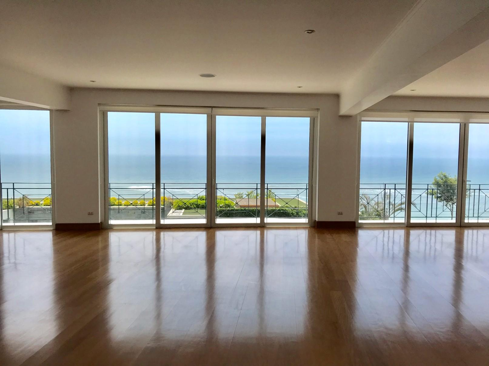 Departamento con Vista al Mar en la Zona mas Exclusiva de Barranco