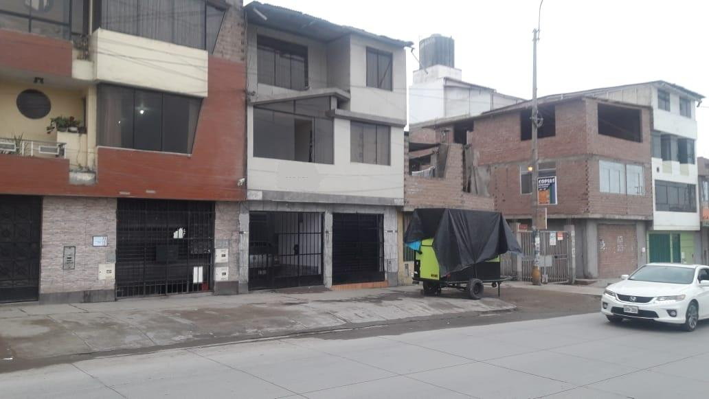 VENDO LOCAL COMERCIAL EN VILLA EL SALVADOR