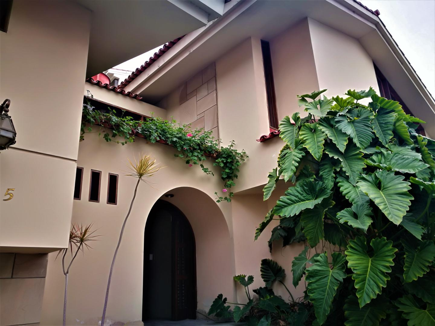 Casa Como Terreno en Venta William Arias Robles, Miraflores, Lima